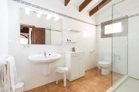 Proa San Jaime shower room 1